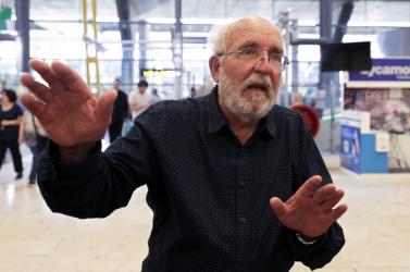 Nem fognak más bolygókra költözni az emberek a friss fizikai Nobel-díjas Michel Mayor szerint
