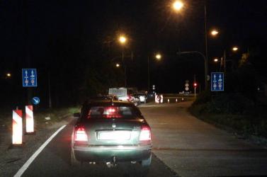 Medvei határ: hajnali ötkor megnyílt, kocsisor alakult ki