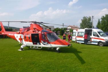 Elgázoltak egy kerékpárost Pódafán, mentőhelikoptert kellett hívni