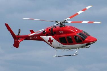 Elesett egy nő a kerékpárjával, mentőhelikopterrel szállították kórházba