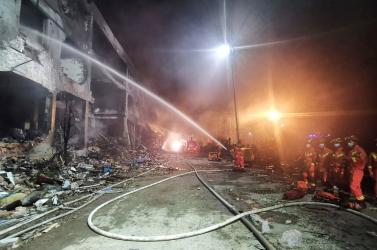 SZÖRNYŰ: Felrobbant egy tartálykocsi, 19 ember meghalt!