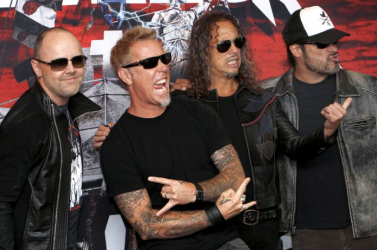 Negyedmillió dollárral támogatja a Metallica az erdőtüzek áldozatait