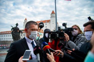 Valakik kavarnak a háttérben, de a belügyminiszter szerint nem folyik háború a titkosszolgálatok és a rendőrség között