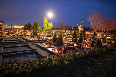 A szakértők azt javasolják, a temetők helyett menjünk inkább máshova mindenszentekkor