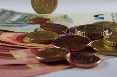 Emelkedés vár a minimálbérre, most 580 euróról van szó
