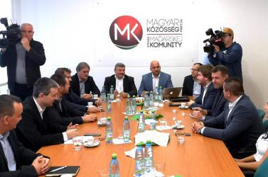 Ötpárti találkozó: a magyar pártok nem jutottak dűlőre