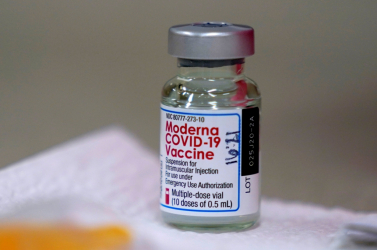 Japánban visszahívtak 1,63 millió adag Moderna vakcinát szennyeződés miatt