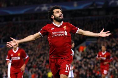 Salah közös fotóval vigasztalta orrát tört szurkolóját