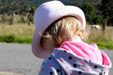 BORZALOM: Éveken keresztül molesztálta kislányát a 68 éves szlovák apa!
