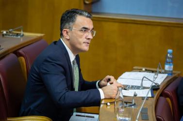Menesztették a minisztert, aki szerintSrebrenicában nem történt népirtás