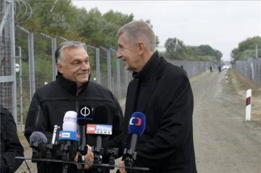 Orbán ésBabiš a magyar-szerb határhoz látogatott