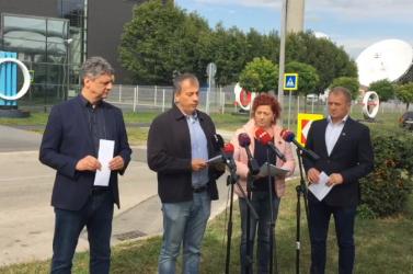 Kezes bárányoktól retteg a magyar közmédia