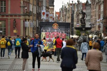Megtámadták a Manchester United szurkolóit Gdanskban (videó)