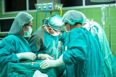 Szigorú óvintézkedések mellett elvégzik a tervezett műtéteket a lévai kórházban