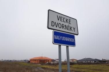 """""""Így megy ez Dunaszerdahelyen"""" – A járási Smer-elnök telekbiznisze borzolja a kedélyeket!"""