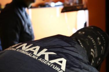 Bödörnél, Jankovskánál és több bírónál is razziát tart a NAKA!