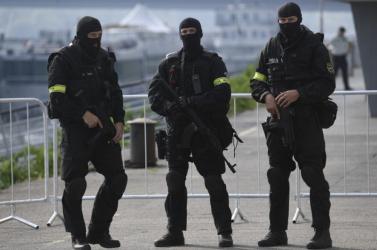 Nemzetközi NAKA-akció: potencianövelővel üzletelő bandára csaptak le, a Galántai járásban is volt razzia