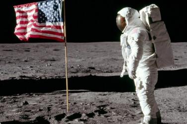 AHoldra szállás alapvetően átformálta a Naprendszerről alkotott képet