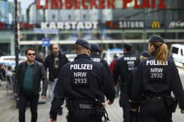 Zsoldosokat toborzó exkatonákat vettek őrizetbe Németországban