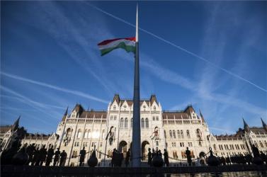 Aradi vértanúk: Magyarországon és határán túl is tartottak megemlékezéseket anemzeti gyásznapalkalmából