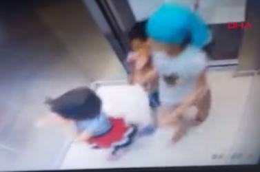 Madzaggal a nyakában szállt be a liftbe a kisfiú, a felvonó akasztófává vált, de aprócska testvére megmentette az életét!