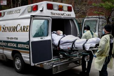 24-en haltak meg egy New York-i idősotthonban, miután vissza kellett fogadniuk a Covid-19-ből lábadozókat