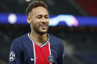 Neymar udvariassága hat és fél millió eurót ér évente