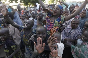Több mint 130 diákot raboltak el fegyveresek, a nigériai elkövetők valószínűleg váltságdíj reményében cselekedtek