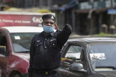 Koronavírus - Több embert ölt meg a rendőrség Nigériában a járvány ürügyén, mint maga a ragály
