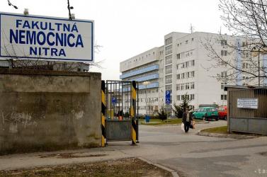Ostobaságot terjesztenek több ezren az összeomlás szélére sodródott nyitrai kórházról!