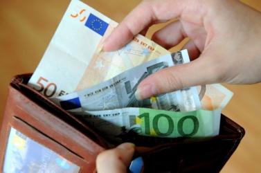 Az ünnepek alatt változik egyes nyugdíjak kifizetésének az időpontja