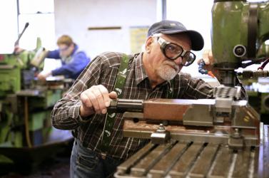 SIKER: Már nem egy automata szabja meg, mikor mehetsz nyugdíjba, hanem egy táblázat!