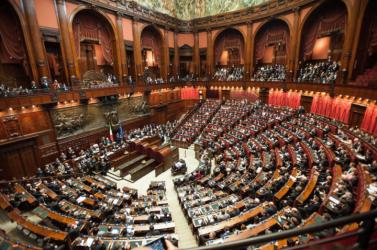Elfogadta az olasz parlament a 2019-es költségvetést