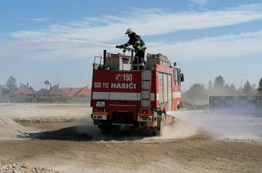 Hatalmas porviharral küzdöttek a somorjai önkéntes tűzoltók