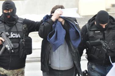 25 év börtönt kér az ügyészség a Basternák-gyilkosság miatt