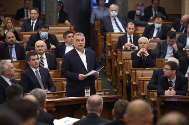 Egy másik világba csöppentünk: Orbán még Gyurcsánnyal is összefogna?