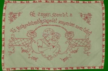 Feliratos textil falvédőkből nyílik néprajzi kiállítás a Galántai Honismereti Múzeumban