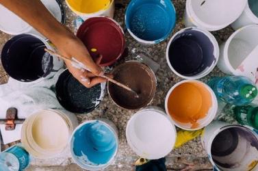 Gyermekszervezeteket támogat egy művész feldarabolt alkotása elárverezéséből (FOTÓ)