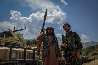 Súlyos pofont kaptak és meghátráltak a tálibok az utolsó ellenálló afgán tartományban!
