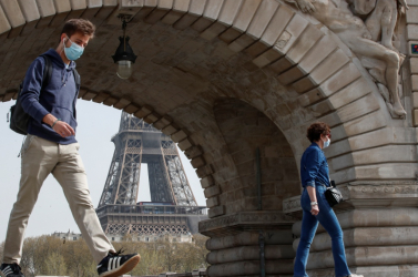 Miniszterek részvételével zajló állítólagos párizsi luxusvacsorák verték ki a biztosítékot Franciaországban