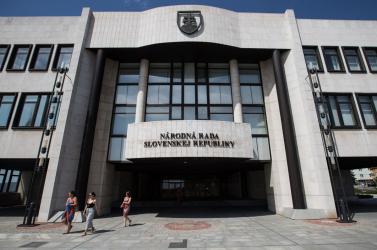FOCUS: Matovičék már a második helyen, küszöb alatt a Híd, az MKÖ és az SNS is