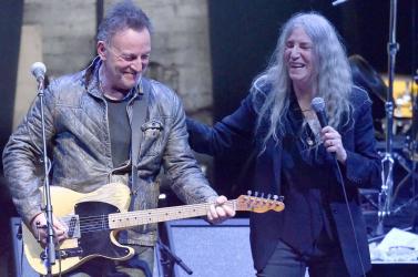 Patti Smith, Bruce Springsteenés Carlos Santana is fellép NewYork-i újjászületéskoncerten