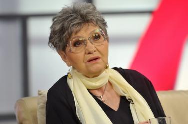 Pécsi Ildikó lemondott az unokájáról