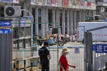 Koronavírus - Mintegy félmillió ember került vesztegzár alá Peking térségében
