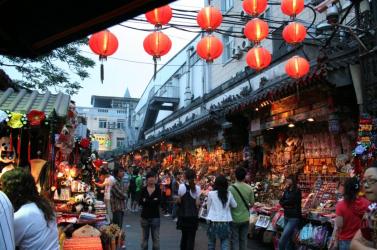 Bezártak egy óriási pekingi piacot, ahol megugrott a koronavírus-fertőzöttek száma!