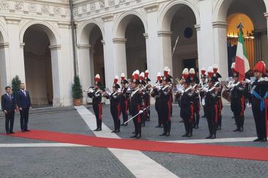 Pellegrini azt is felajánlotta az olaszoknak, hogy menekülteket hoznának tőlük Bősre