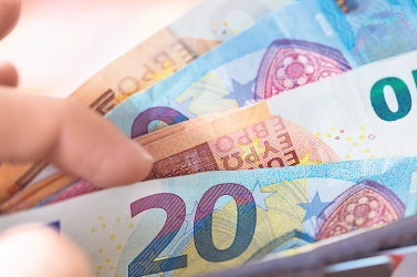 Az EU 122 millió eurót fordít a gazdaság dekarbonizálását célzó innovatív kezdeményezésekre