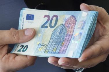 Magas adók és koronakrízis - A kereskedelmi kamara tagjainak többsége elégedetlen a kormány intézkedéseivel