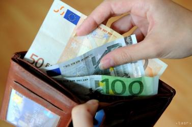 NINCS VISSZAÚT: Szlovákiában 15 %-al nőhet a lakossági áram ára!