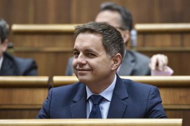 Soha nem cselekedett még olyat a szlovák parlament, mint ma